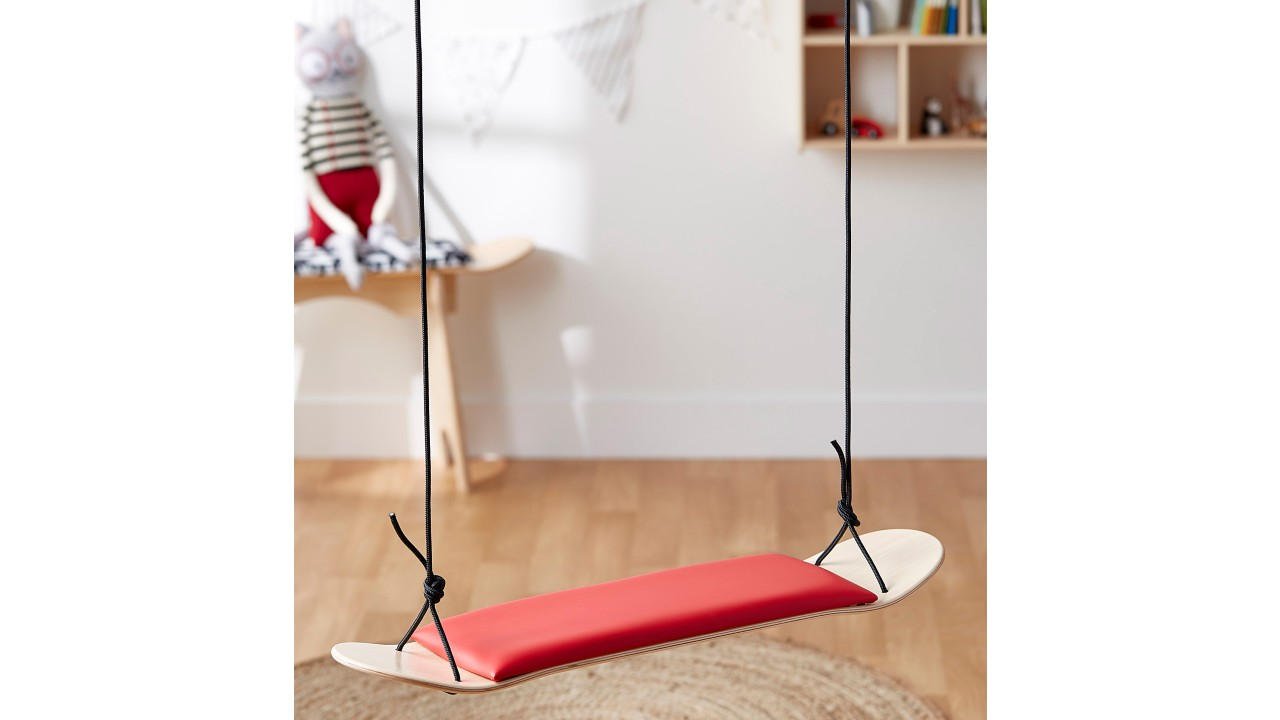 skateboard indoor swing